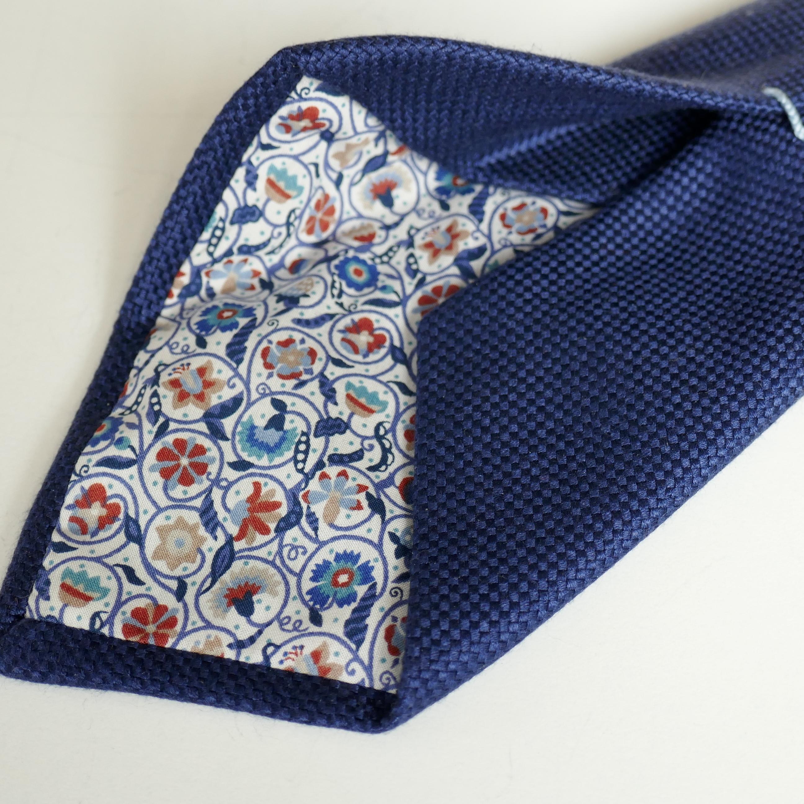 Style magnifique grosses soldes magasiner pour le meilleur La cravate 7 plis